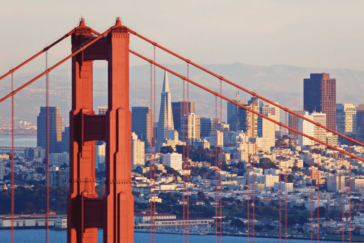 Golden Gate Bridge. - © S Greg PANOSIAN