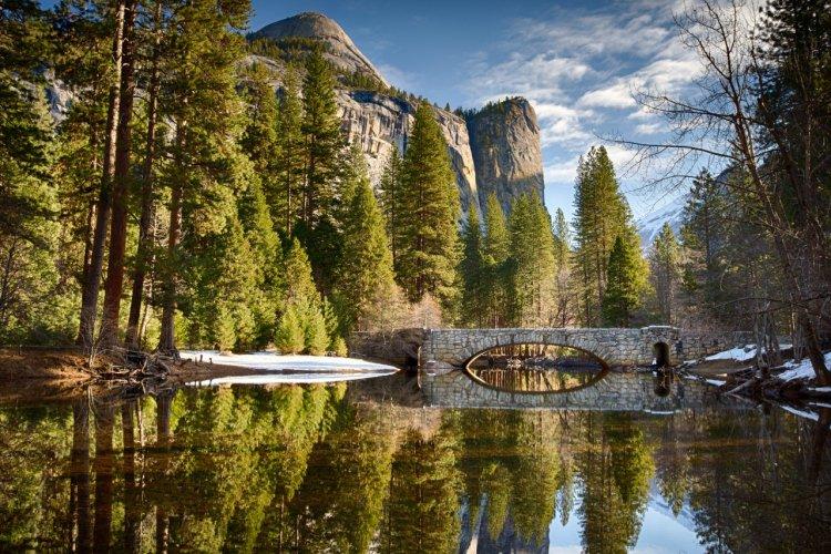 Yosemite National Park. - © Sarah Fields Photography / Shutterstock.com