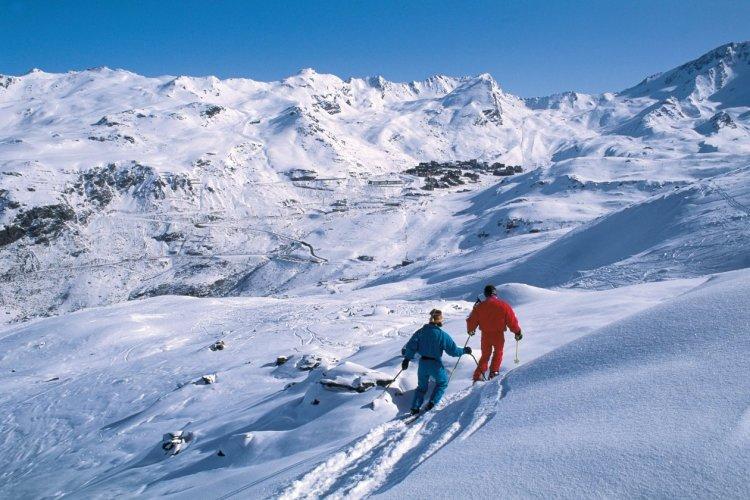 Skieurs - Val-Thorens - © ITZAK NEWMANN - ICONOTEC