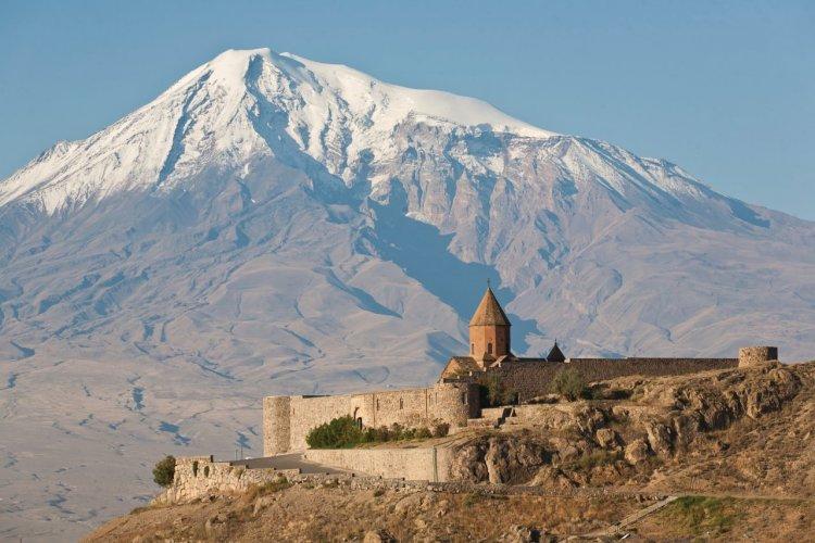 Le monastère arménien Khor Virap et le Mont Ararat. - © Alex_Ishchenko - iStockphoto