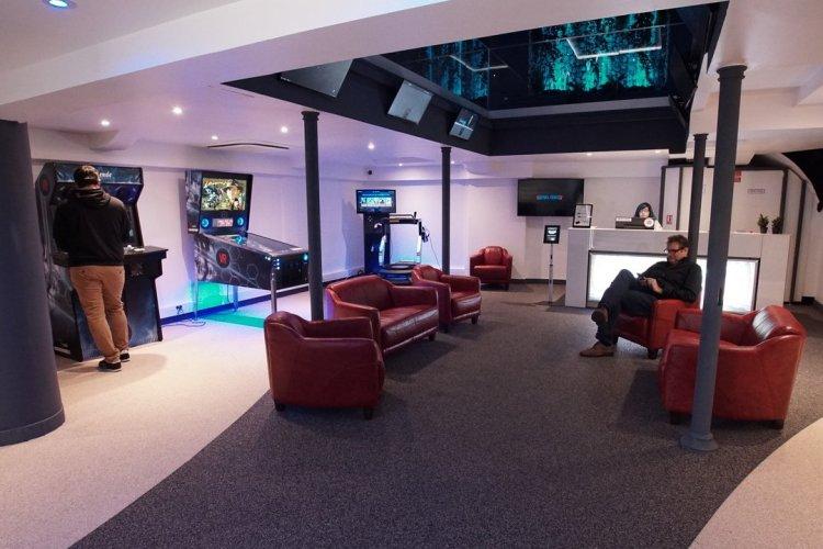 L'espace du bas et la zone d'accueil - © Virtuel Center Montparnasse