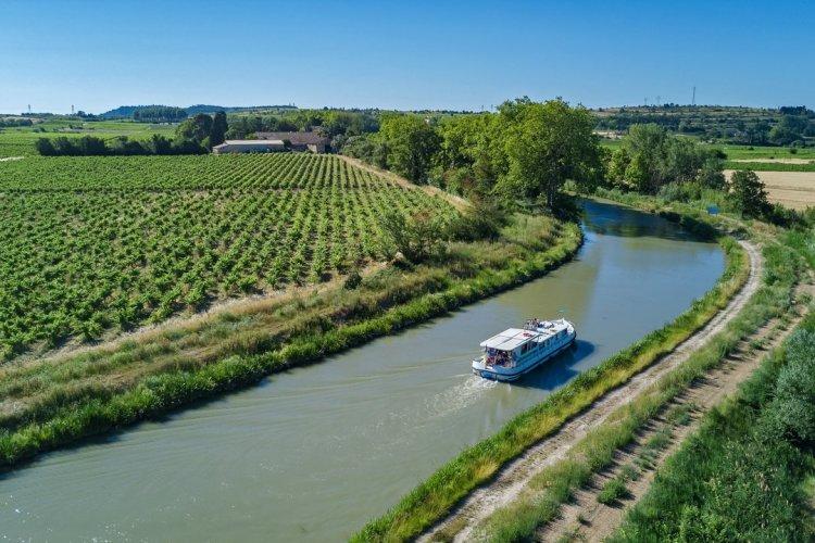 Balade sur le canal du Midi - © JaySi - Shutterstock.com