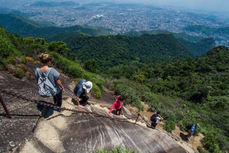 En direction du pico da Tijuca - Parque Nacional da Tijuca - © Vitormarigo - Shutterstock.com