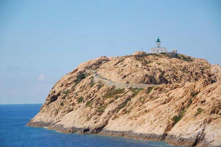 Phare de l'île-Rousse - © legabatch - stock.adobe.com