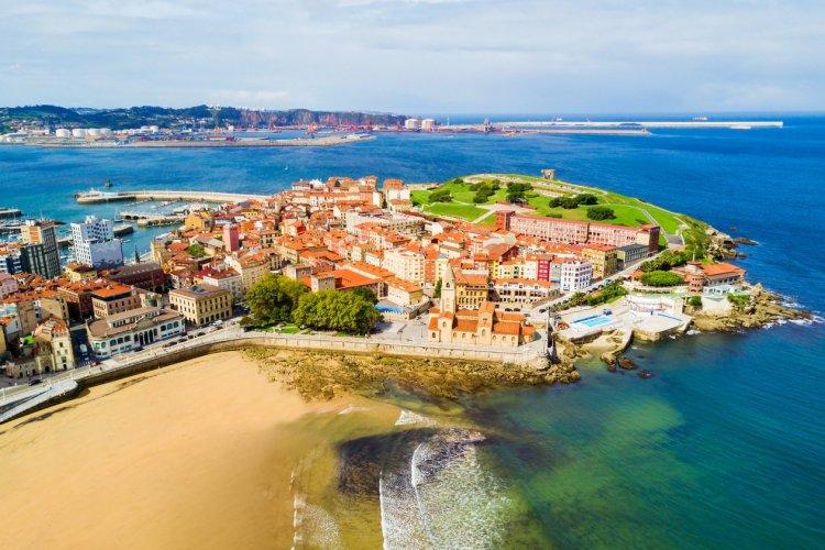 Gijón - © saiko3p - Shutterstock.com