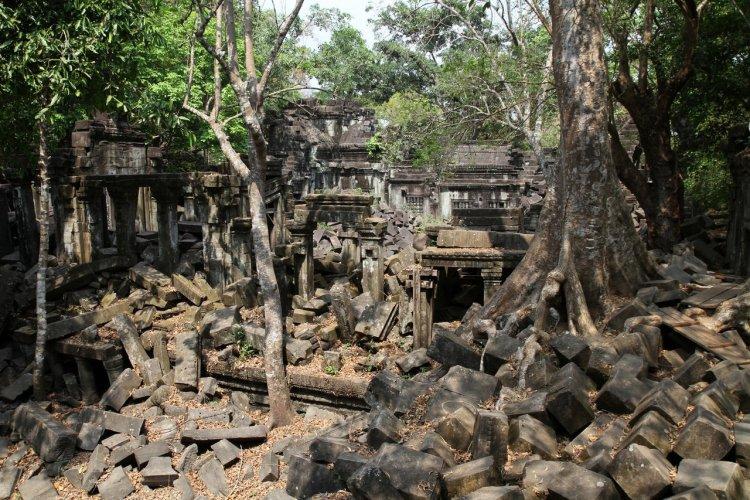 Les vestiges du temple de Beng Mealea, Cambodge - © Stéphan Szeremeta