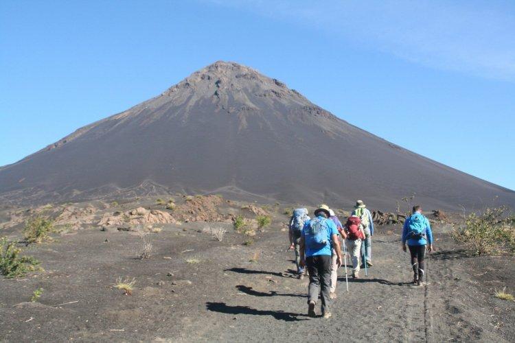 Ascension du volcan Fogon Cap-Vert - © Duleyrie - stock.adobe.com
