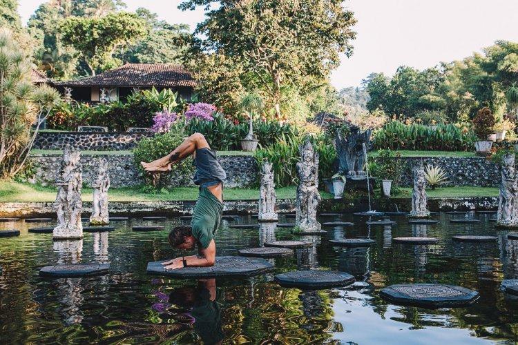 Yoga à Bali - © zjuzjaka - shutterstock.com