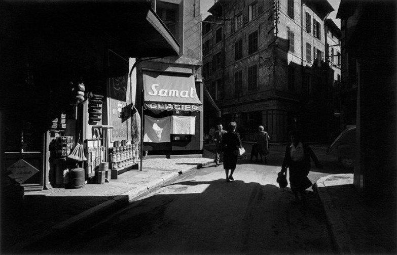 The Estate of Harry Callahan/Pace/MacGill Gallery Maison Européenne de la Photographie, Paris – Don de l'auteur - © Aix-en-Provence, France, 1957-1958
