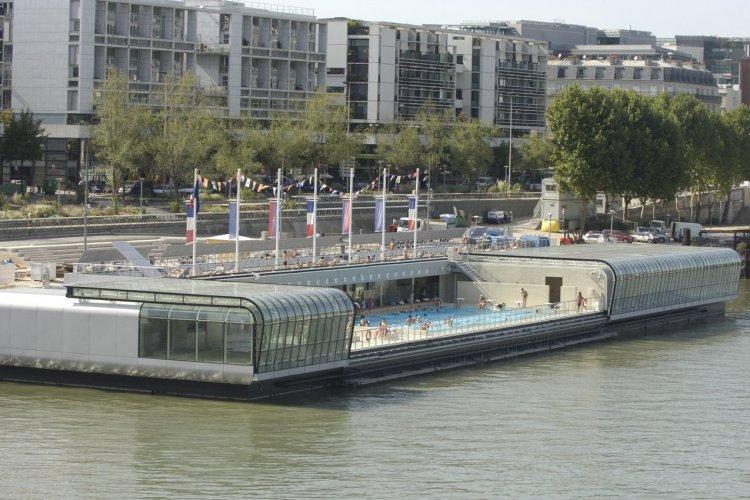 La piscine Joséphine Baker, Paris - © Jean-Baptiste Gurliat - Mairie de Paris