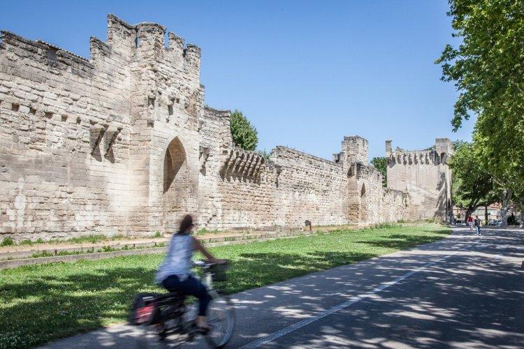 Les remparts d'Avignon - © Empreinte d'Ailleurs
