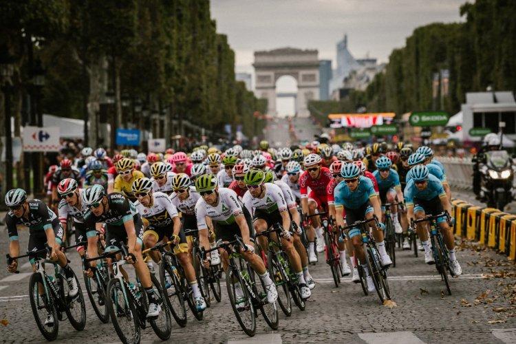 Arrivée sur les Champs-Elysées - © ASO Pauline Ballet