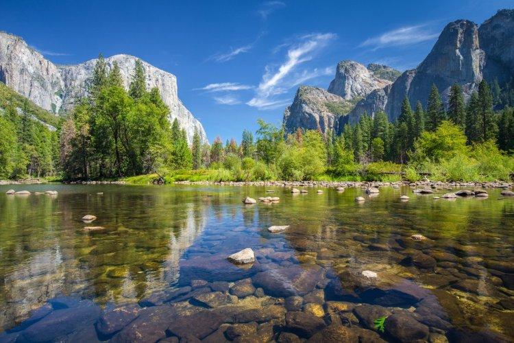 Merced River - © blujayphoto - iStockphoto.com