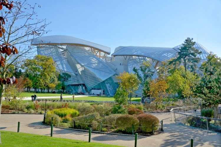 Le Jardin d'acclimatation et la fondation Louis Vuitton - © Meunierd - Shutterstock.com