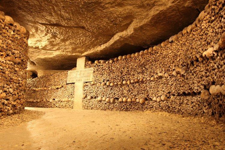 Les catacombes de Paris - © Wyatt Rivard - shutterstock.com