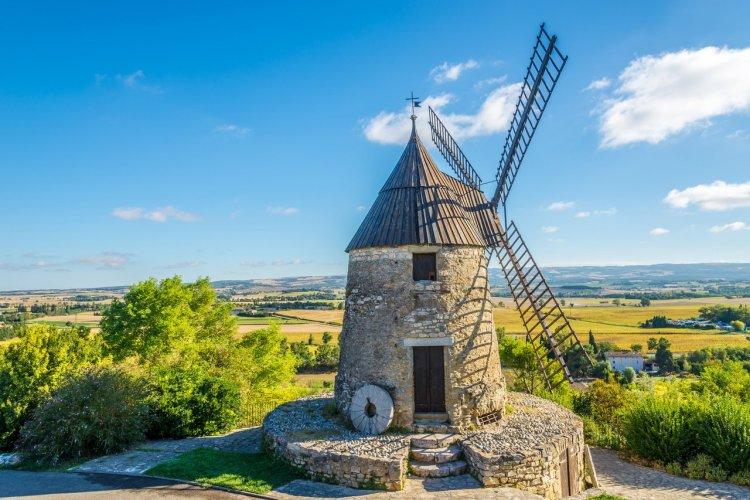 Le moulin de Cugarel, Castelnaudary - © milosk50 - Adobe Stock