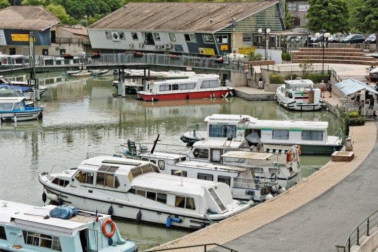 Port de Colombiers - © Tree4two - Istock.com