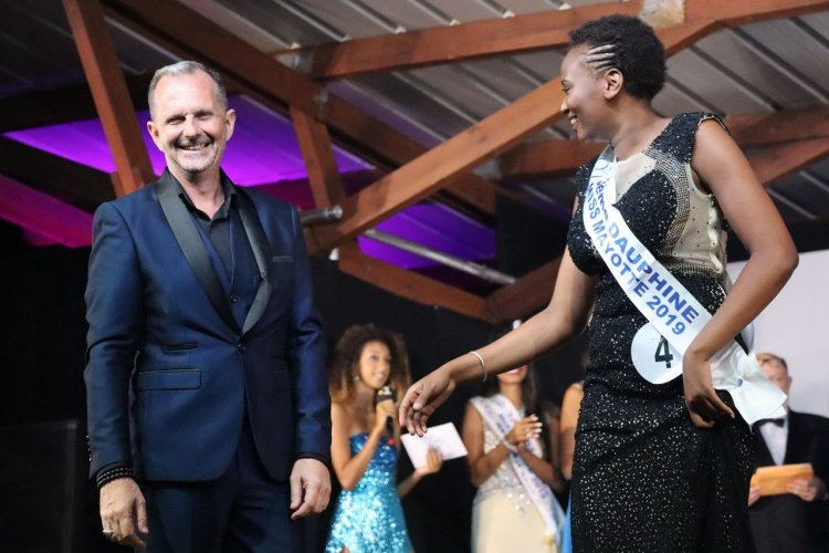 Frank Servel et la 3ème Dauphine Soukayina Alhadi - Miss Mayotte 2019 - © Laurent BOSCHERO