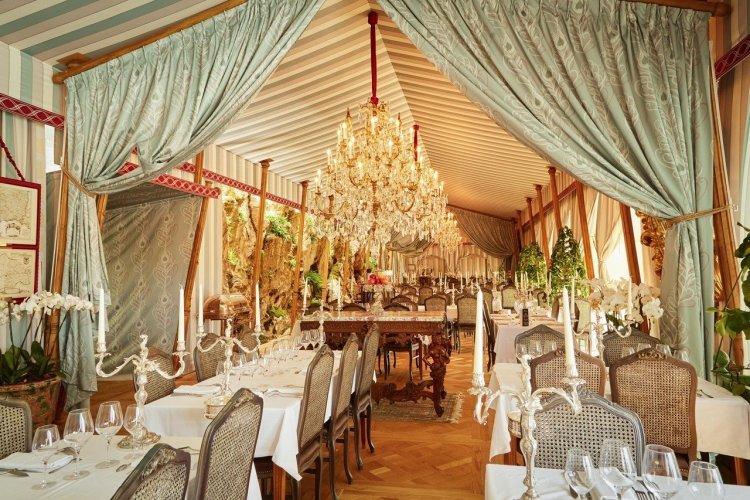 Les Grands Buffets - Tente d'Apparat - © Les Grands Buffets