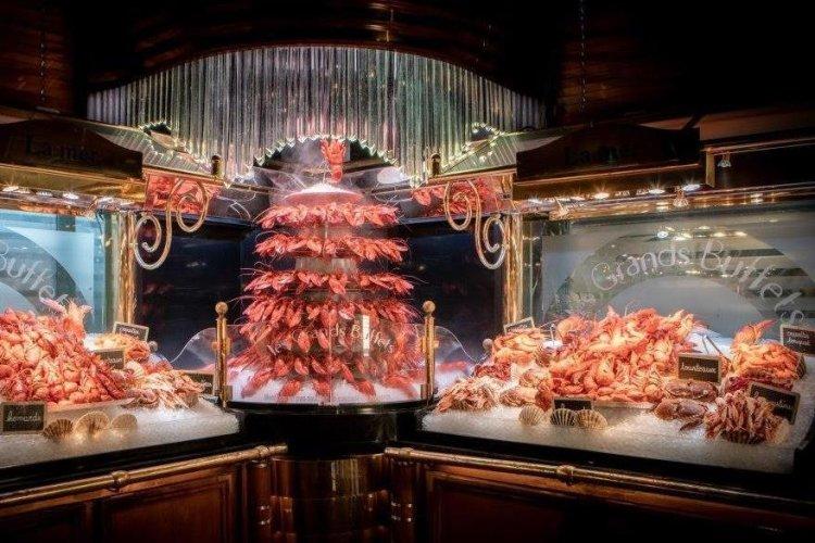 Les Grands Buffets - Crustacés - © Les Grands Buffets