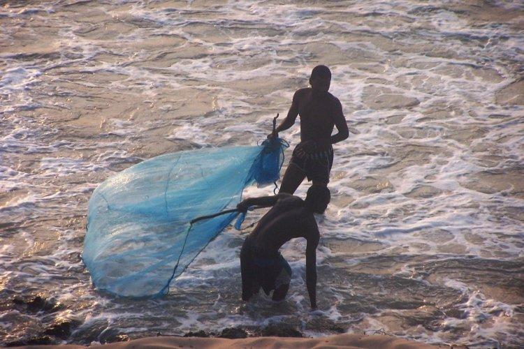 pêcheur du village de Santa Maria - © Mussiro Trips