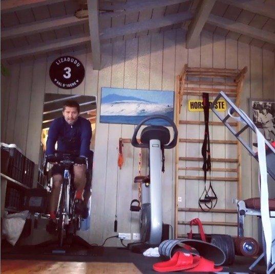vélo & confinement - © instagram/bixentelizarazu