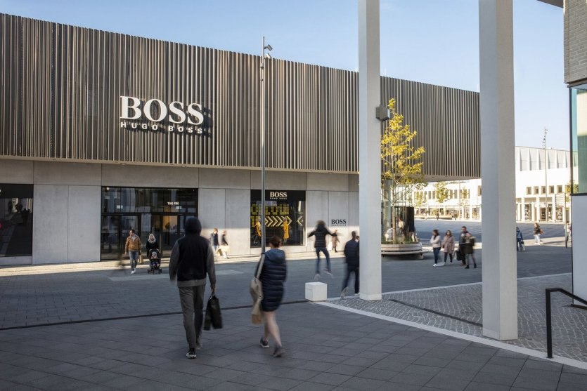 A perfect shopping day in Europe's largest outlet centre : Stuttgart