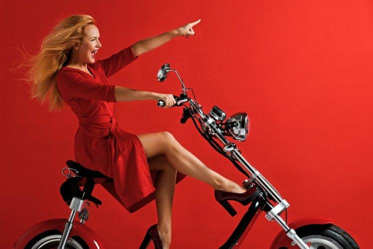 scooter électrique - © (c)Dmitry Lobanov shutterstock