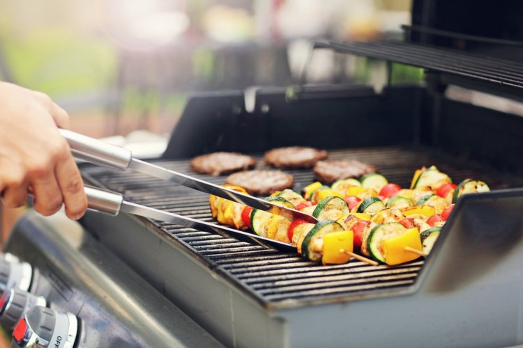 Barbecue à gaz - © (c)Kamil Macniak - shutterstock