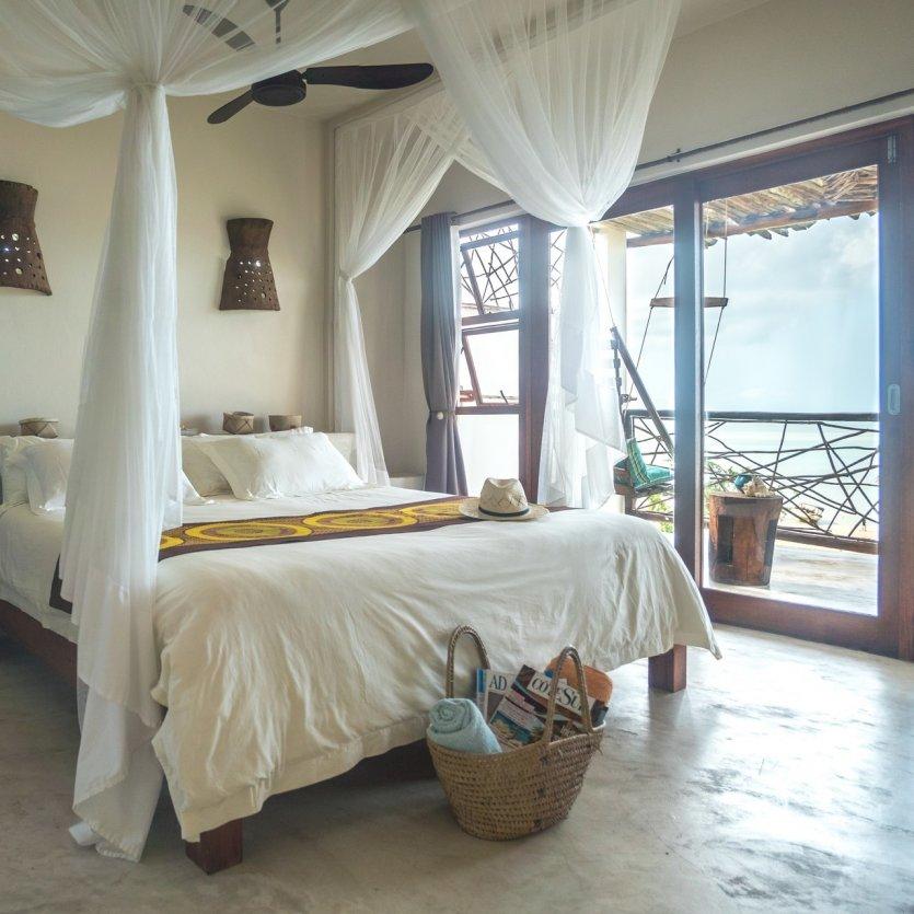 les chambres, lumineuses et spacieuses avec vue sur mer - © Alizée VALLE