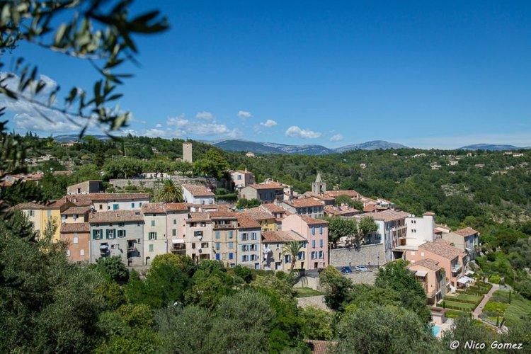 Le village perché de Tourrettes - Pays de Fayence - © Nico Gomez