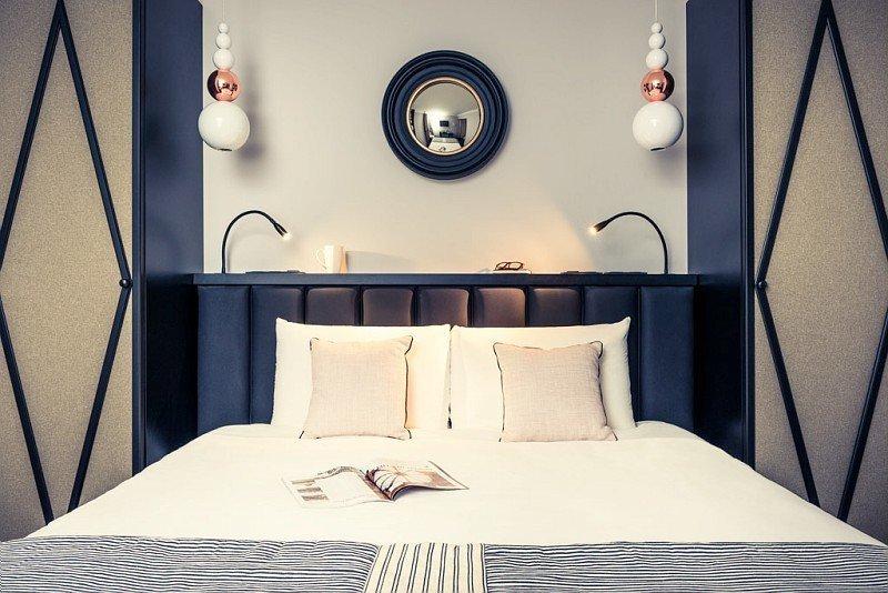 Chambre à l'hôtel Mercure Paris Arc de Triomphe Wagram - © DR
