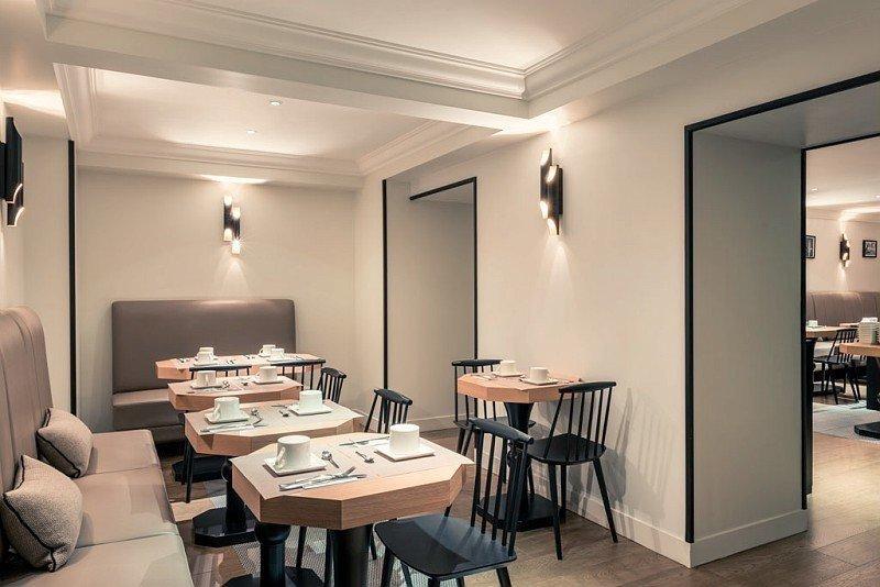 Salle de petit déjeuner à l'hôtel Mercure Paris Arc de Triomphe Wagram - © DR