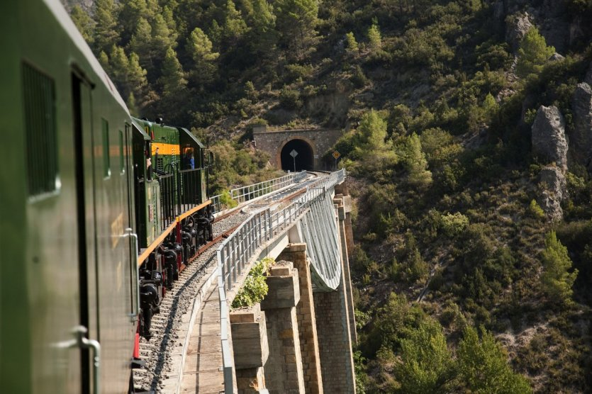 Train touristique - © FGC (Ferrocarrils de la Generalitat de Catalunya)