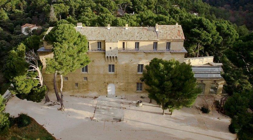 - © Les Estivales du Château de Sade