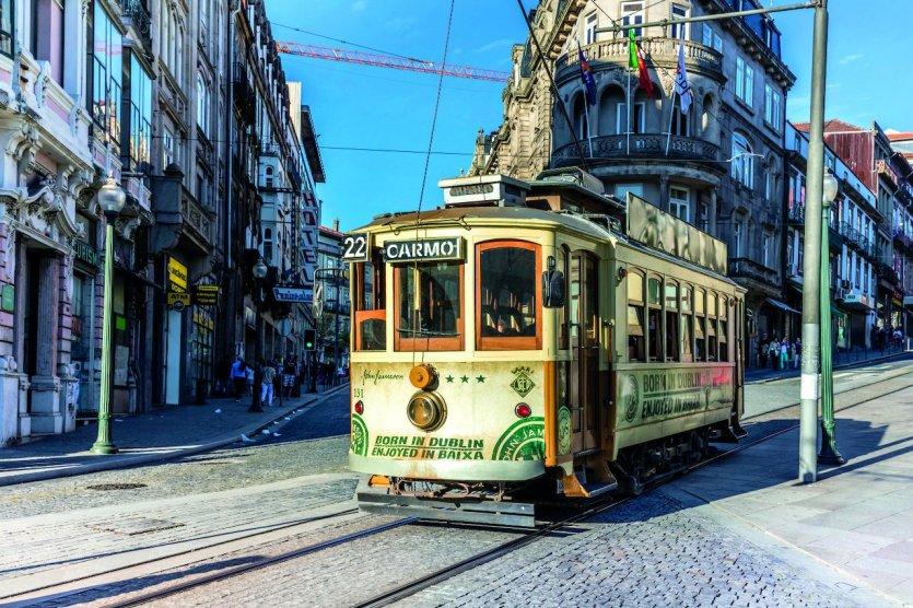 Tramway de la ville de Porto, Portugal - © Henrique NDR Martins - iStockPhoto.com