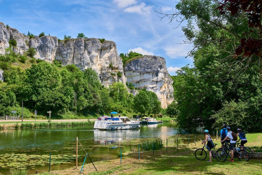Canal du Nivernais, Rocher saussois. - © VNF_Damien_Lachas