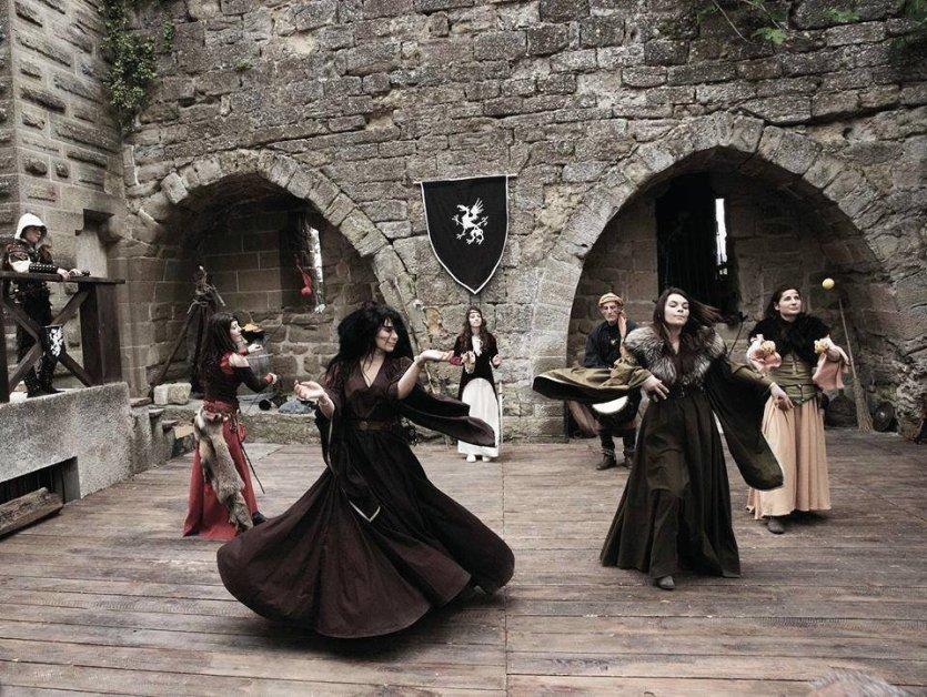 Moyen age en sc ne une aventure m di vale au coeur de la for Au jardin de la tour carcassonne