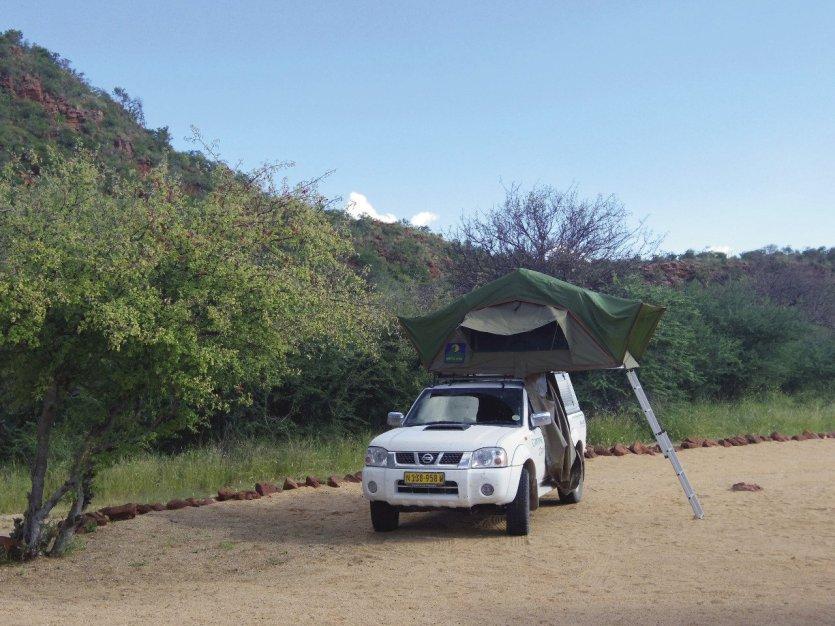 4x4 avec tente sur toit - © Camille ESMIEU