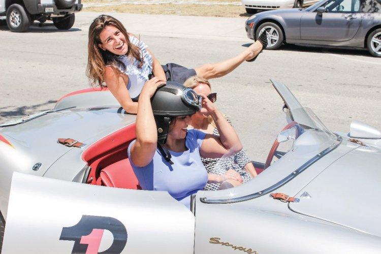 Essai des Porsches vintage bientôt mises en vente ! Avec Gabrielle HB Abada, organisatrice du Ladies Breakfast de la FAAM. - © FAAM