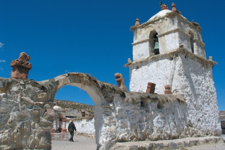 Eglise de Parinacota - © Arnaud BONNEFOY