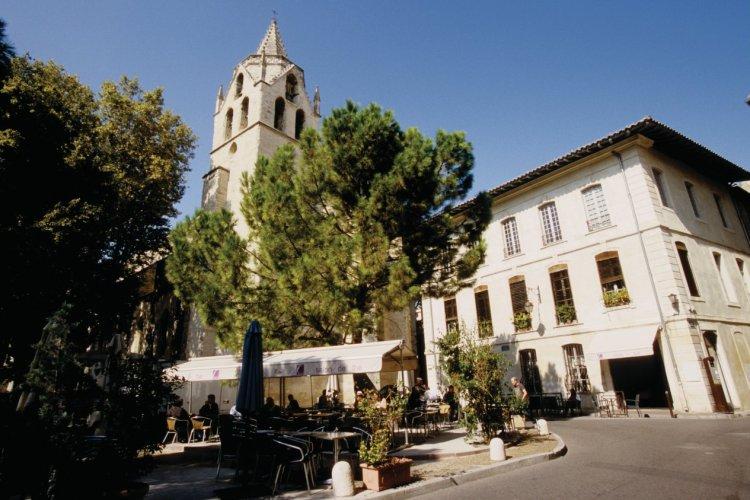 L'église Saint-Martial et le square Agricol Perdiguier - © VINCENT FORMICA