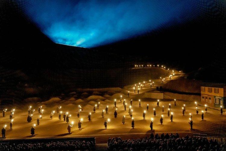 - © Des flammes... à la lumière, Verdun