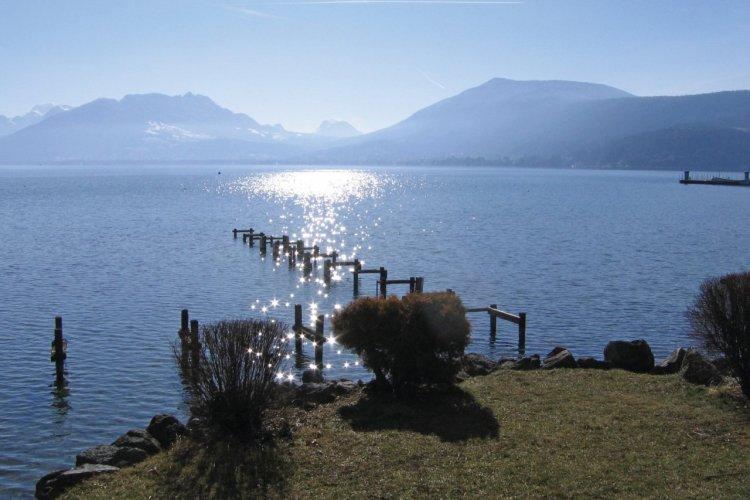 Le lac d'Annecy. - © Régis BRUGERE
