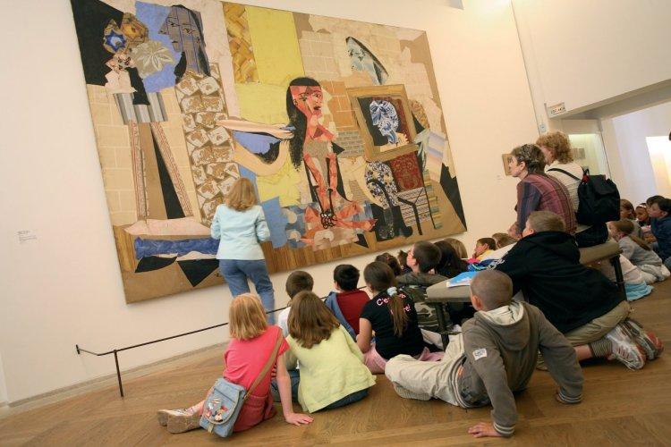 Une classe d'enfants au musée Picasso - © Sylvain SONNET