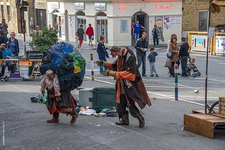 L'édition 2013 dans les rues de Charleville-Mézières. - © festival-marionnette.com