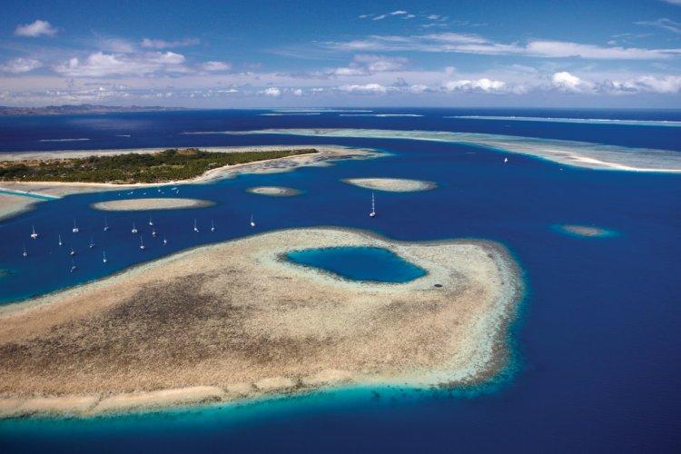 Survol des îles Mamanucas. - © Tourism Fiji/Chris McLennan