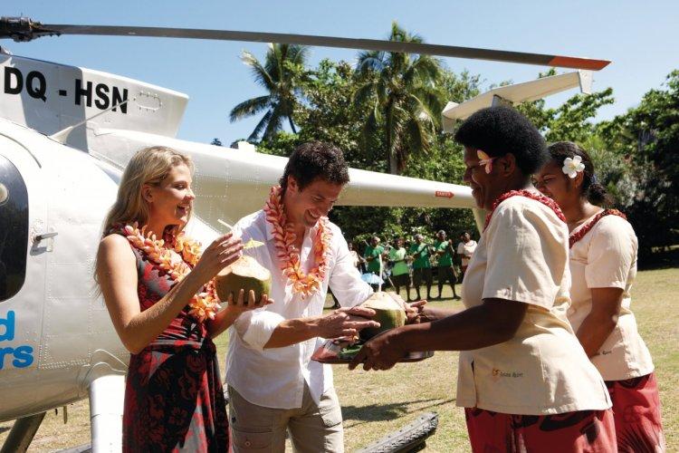 Accueil des touristes aux Yasawas Islands. - © Tourism Fiji / Chris McLennan