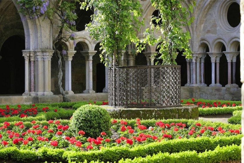 Le cloître de l'abbaye Fontfroide. - © D.R.