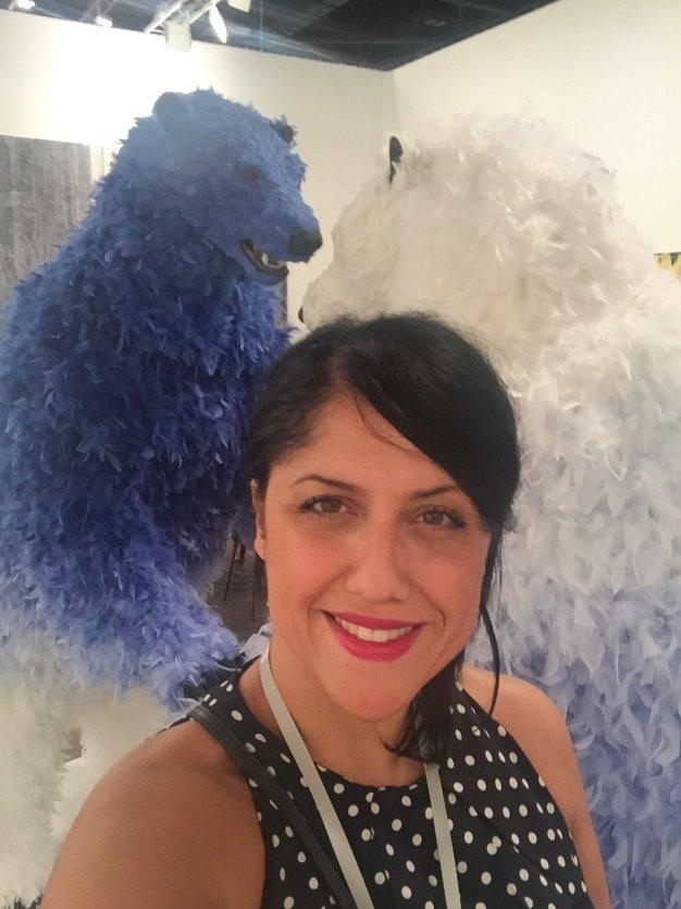 Selfie avec 2 ours à plumes-Art Basel-Miami Beach Convention Center